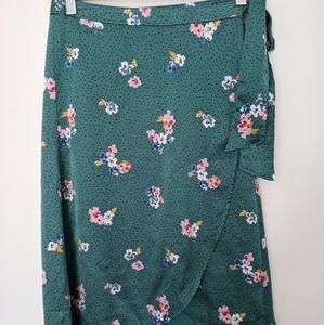 Abercrombie & Fitch midi satin skirt